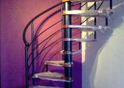 Escalera Caracol peldaños de Madera M6 barandilla H3
