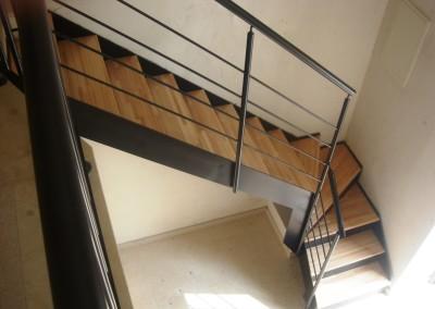Habitare Lisa con contrahuella y madera 010