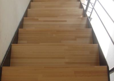 Habitare Lisa con contrahuella y madera 013