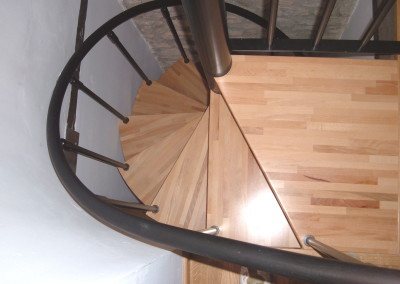 Spiral stairs with wooden steps Model M8