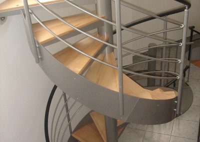 Spiral stairs with wooden steps Model MGD with wood